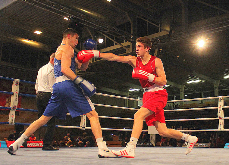 Wladislaw Baryshnik in Rot beim DM Finale 2017 gegen Zani