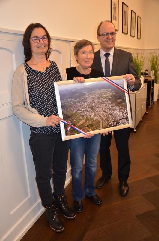 Verabschiedung Stadträtin Sigrid Godbillon am 14.1.2020 (v. l.: Anke Burgermeister, Sigrid Godbillon und Bürgermeister Michael Schrenk)